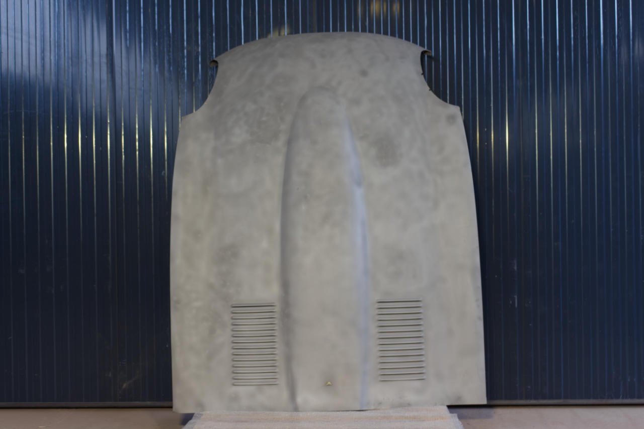 Sandstrahlen - Motorhaube - Oldtimer - nachher
