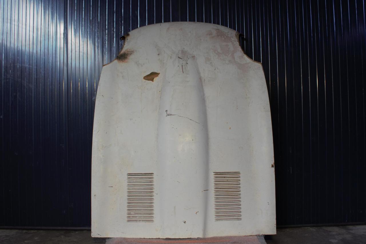 Sandstrahlen - Motorhaube - Oldtimer - vorher